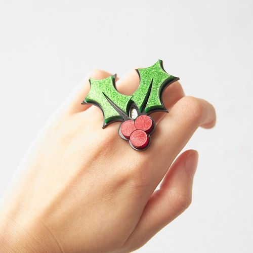 Christmas holly ring