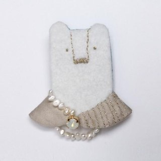Madam bear brooch No. 002 [MTO]