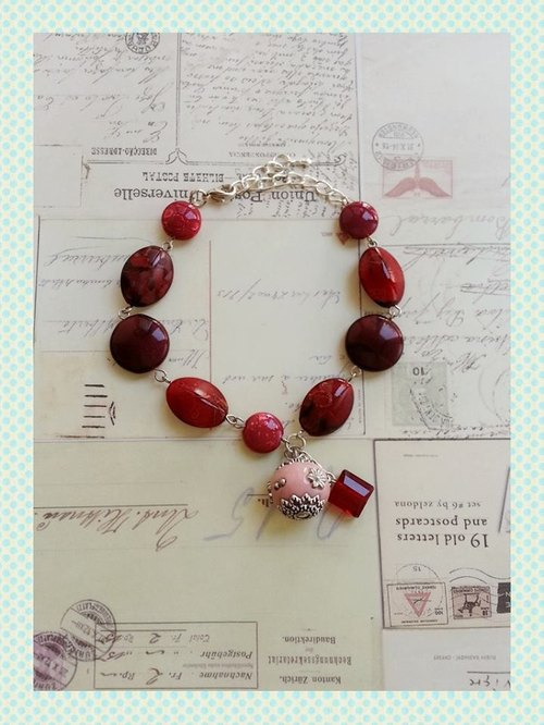 The charming red beaded bracelet Red Bead Bracelet