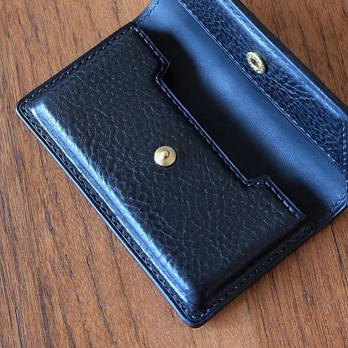 Mildy Hands - CC01 - Type B card holder (dark button)