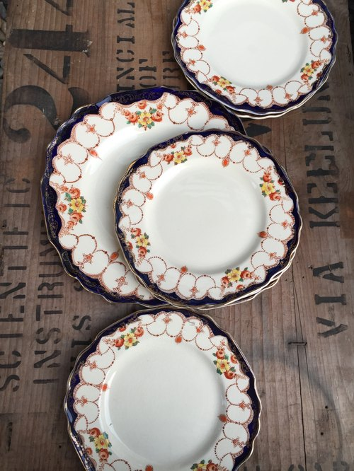 Britain made the 1930 series of hand-painted Myott Rosemary snack tray