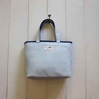 Macaron series - silver + navy blue canvas Medium Tote (zipper opening paragraph)