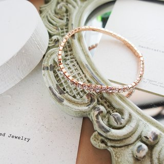 Cha mimi. Low-key charm. Swarovski square diamond rose gold elastic bracelet / White Diamond