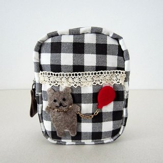 Bear with balloons Plaid zipper bag
