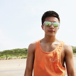 Sunglasses│Transparent White Frame│Green Lens│UV400 protection│2is Dennis
