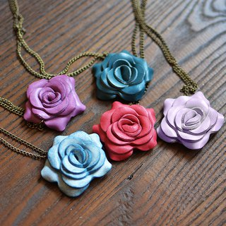 Fading Mist Leather Rose Necklace