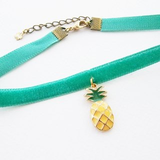 Mint velvet choker/necklace with pineapple charm