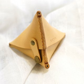 Lucky triangle leather wallet (small) can be engraved