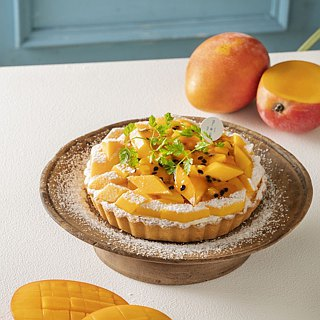 Early Summer Mango Pie