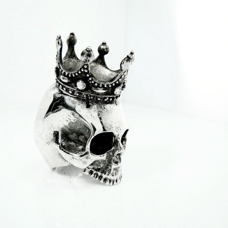 Skull with crown ring in white bronze and oxidized antique color ,Rocker jewelry ,Skull jewelry,Biker jewelry