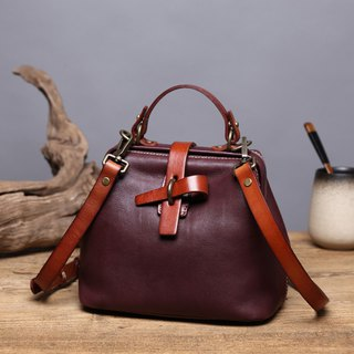 handmade leather messengerbag