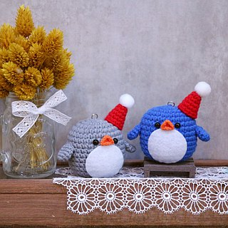 Fat penguin - Christmas hat. key ring. Christmas gift