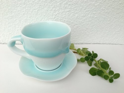 """Melt in baby blue - Ceramic Mug"""
