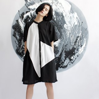 Black and white geometric blocks of color long shirt