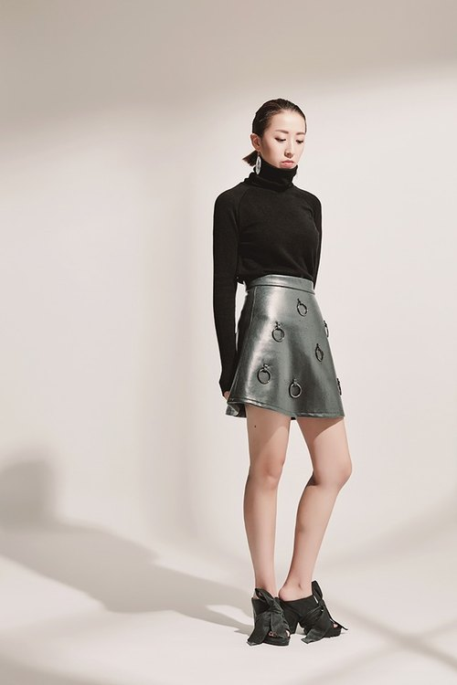 Stylish metal sense of technology coated fabric ultra-thin skirt A cool gray thick