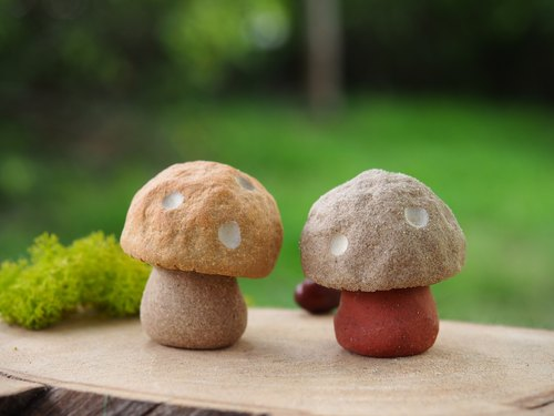 "[Mushroom Village Mushroom Village] - super cute hand-made pottery ""little"" small mushrooms / Price 2 1 group (to be ordered)"