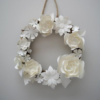 Paper carved small wreath