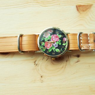 Handmade vegetable tanned leather strap with petals form the core