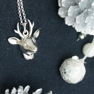 Three-dimensional deer Silver Necklace