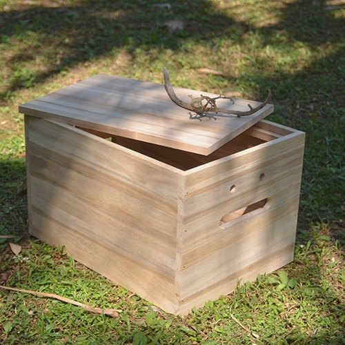 Good mood storage box, hand-studded, sycamore