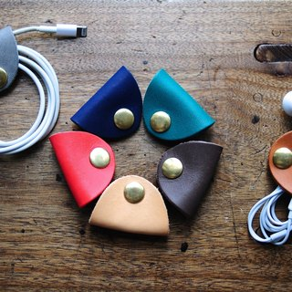 Handmade Leather Earphone Holder - vegetable leather - earbud - cable holder - cable organizer - earplug holder - organizer