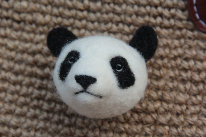 ~ Wool felt brooch series - black and white panda beast