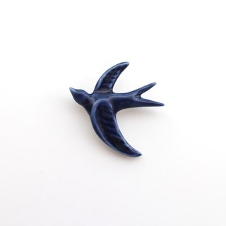 Swallow brooch