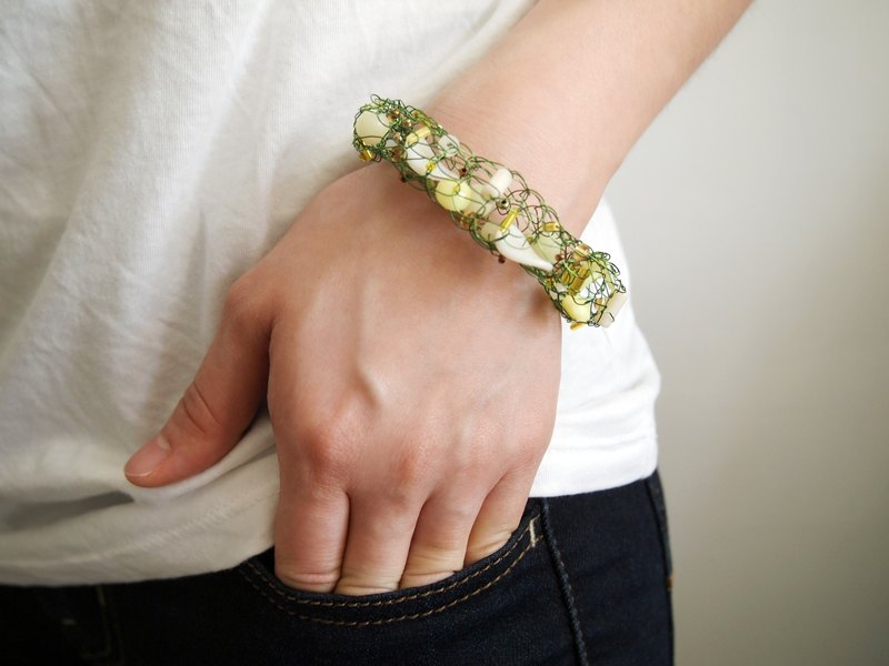 Just Knitting limited edition of hand-woven green copper wire with plastic bead bracelet ● Made in Hong Kong