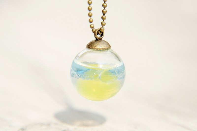 Valentine's Day gift / ocean wind / British sense of transparency glass ball necklace - mysterious ocean