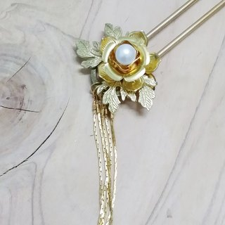 Let Kee Tong Ling Wan Tianhua ornaments ~} {Frangipani elegant step interpolation Yao Bob hair hairpin
