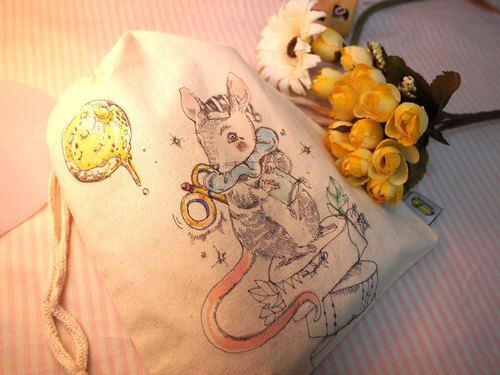 original unique hand-drawn bags-sleeping mouse