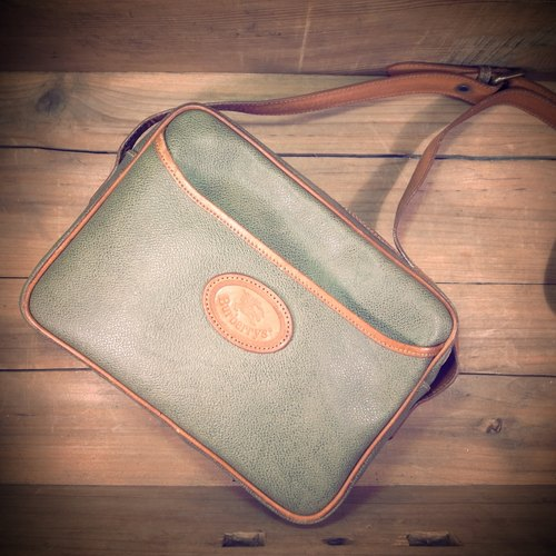 [Bones] early Burberrys olive dorsal x caramel leather packet out of print genuine antique bag Vintage