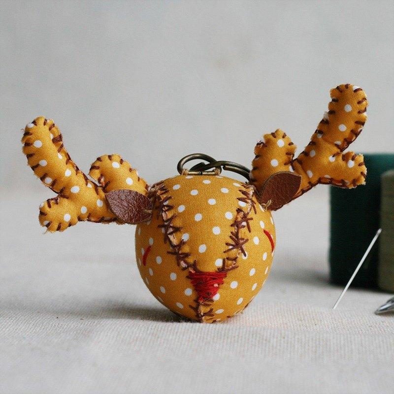 【布完美】點點麋鹿 手縫吊飾/鑰匙圈_切達起司_豆豆眼
