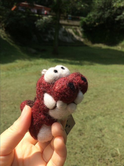 Woolbuddy - Handmade dinosaur (dark red / white / coffee)