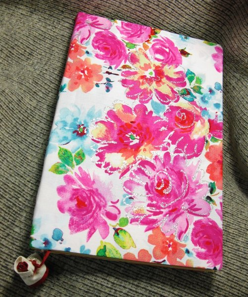 muso: Flower cloth notebook / diary attached cloth roses, wire-bound inside blank kraft paper, special and beautiful