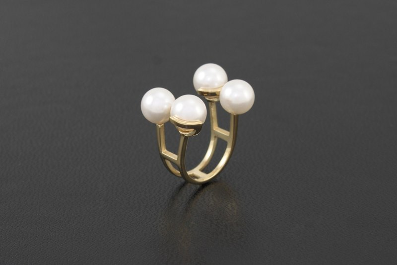 Quartet Pearl Ring - gold