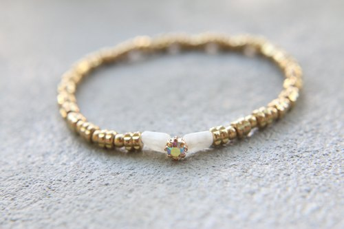 < ☞ HAND IN HAND ☜ > Moonstone - small eyes bracelet (0237)