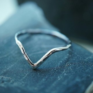 【janvierMade】Cervo Sterling Silver Ring / Minimalist Simple Cervo Ring / 925 Sterling Silver Handmade