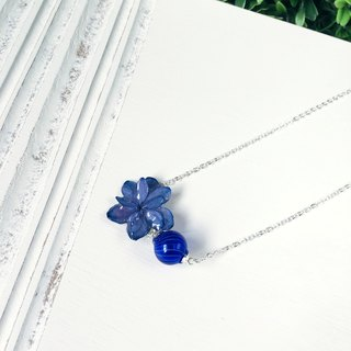 *Haku‧Neko*dark blue hydrangeas fight multilayer glass ball necklace Twist (real flowers series)