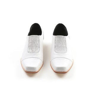 ZOODY / new / hand shoes / flat deep mouth shoes / rock white