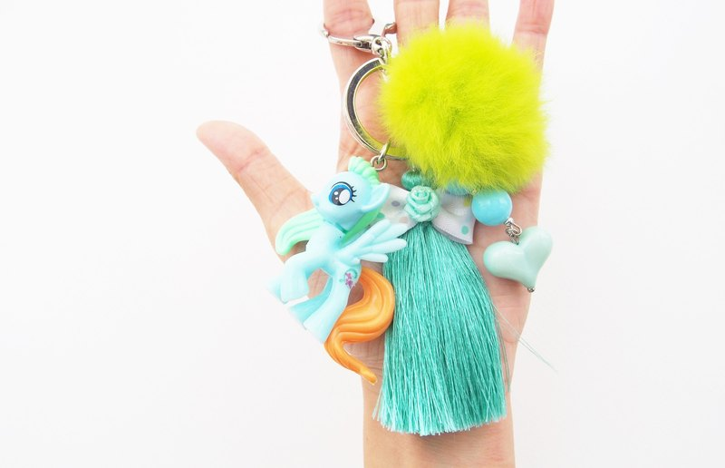Pony keychain - pony accessory - cute keychain - car accessories - tassel keychain - pompom keychain - kawaii kei-pastel.
