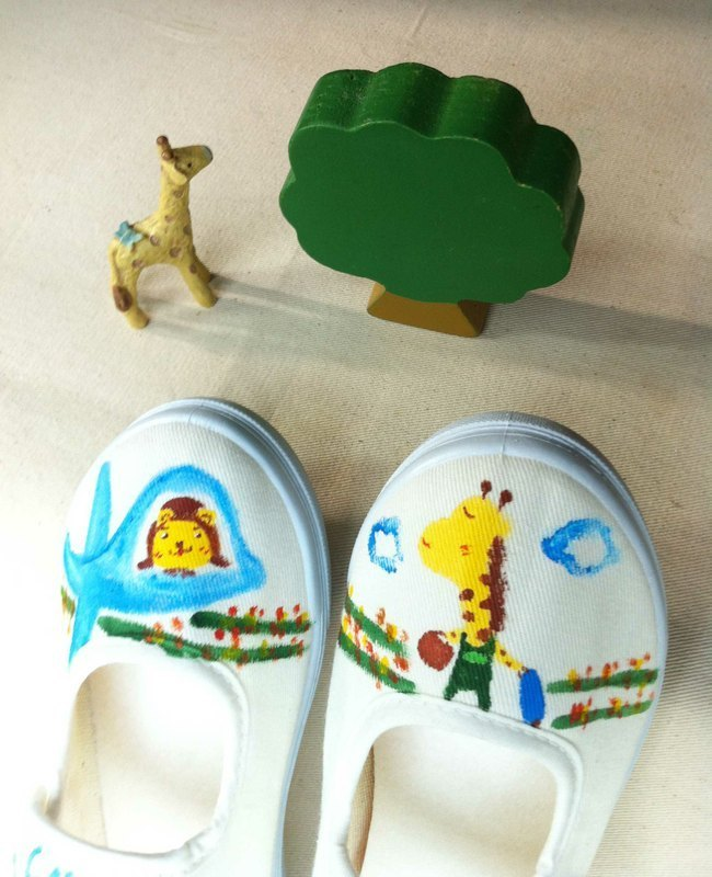 Q + J-painted shoes - giraffe pilots voyage Bear cute pouch attached yo!