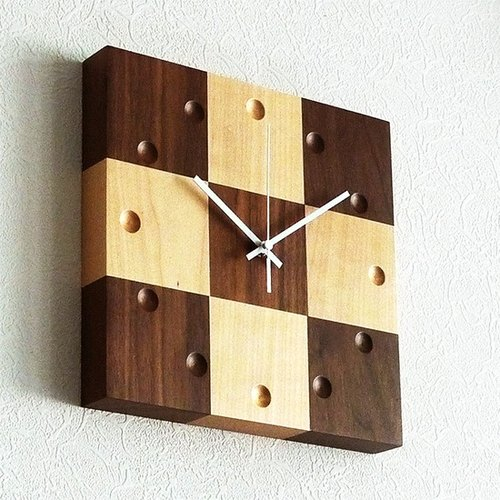 Handmade wood frame wall clock time clock wooden wood spell count carefully selected American black walnut top Canadian hard maple wood making