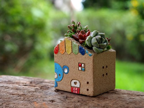 Garden Cottage Garden] [hand-made pottery - Cute Rainbow Bear Garden (S) / Ceramic House