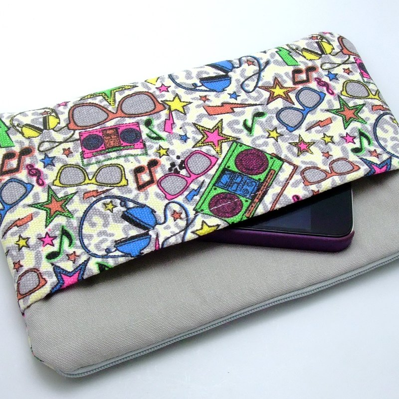 Large Zipper Pouch, Pencil Pouch, Gadget Bag, Cosmetic Bag, with a front pocket, Triangular pattern (ZL-25)