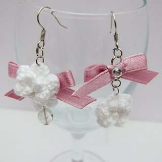 White roses bow. Asymmetric earrings (spot)