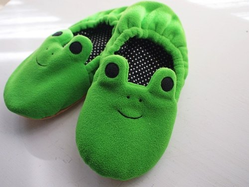 hairmo. Smiling Frog indoor warm slippers (men and women can wear) on the 10th delivery