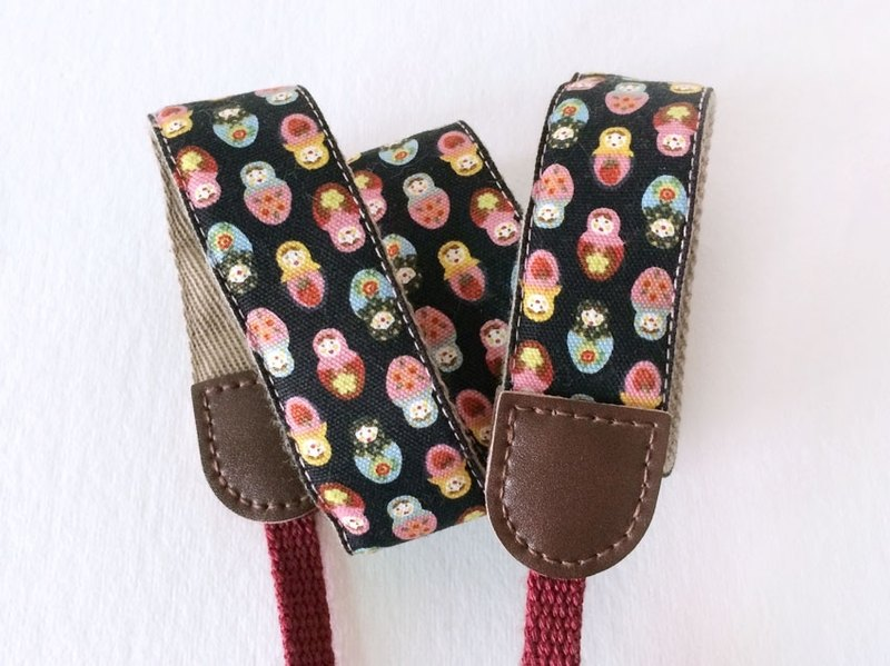 Russian doll camera strap - Black