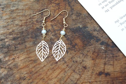 【NOVEMBER 11-birthstone-Citrine 】 leaves hanging earrings (Customizable clip-on)