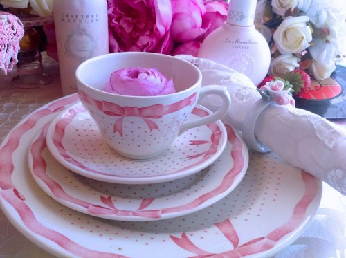 ♥ ♥ Annie crazy Antiquities British pottery 1947s Rustic Style series Alice in Wonderland red bow dot flower cup, coffee cup two groups ~ cute